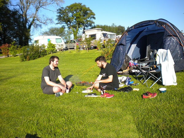 Mates relaxing, waiting for the barbeque at Deanwood campsite